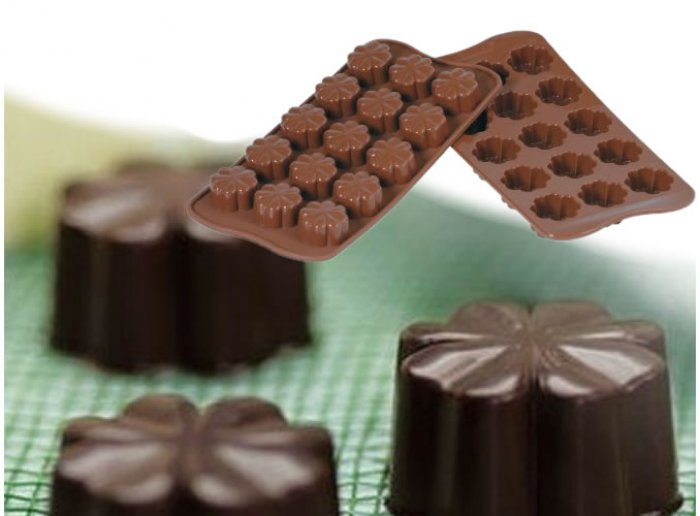 Clover Silicone Chocolate Mould
