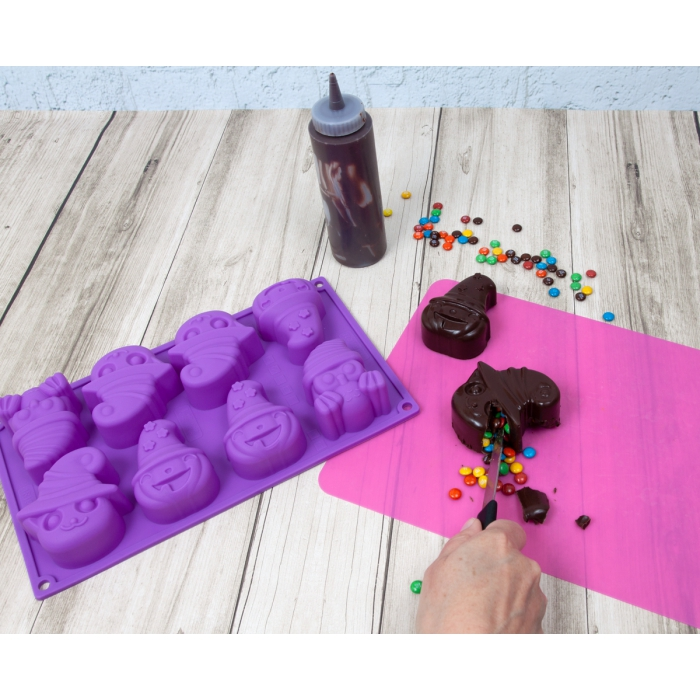 Spooky Halloween Witch Chocolate Silicone Mould - 8 Cavity